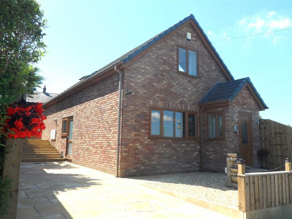 4 Bedrooms Detached House for sale in Shore Road, Hesketh Bank, PR4