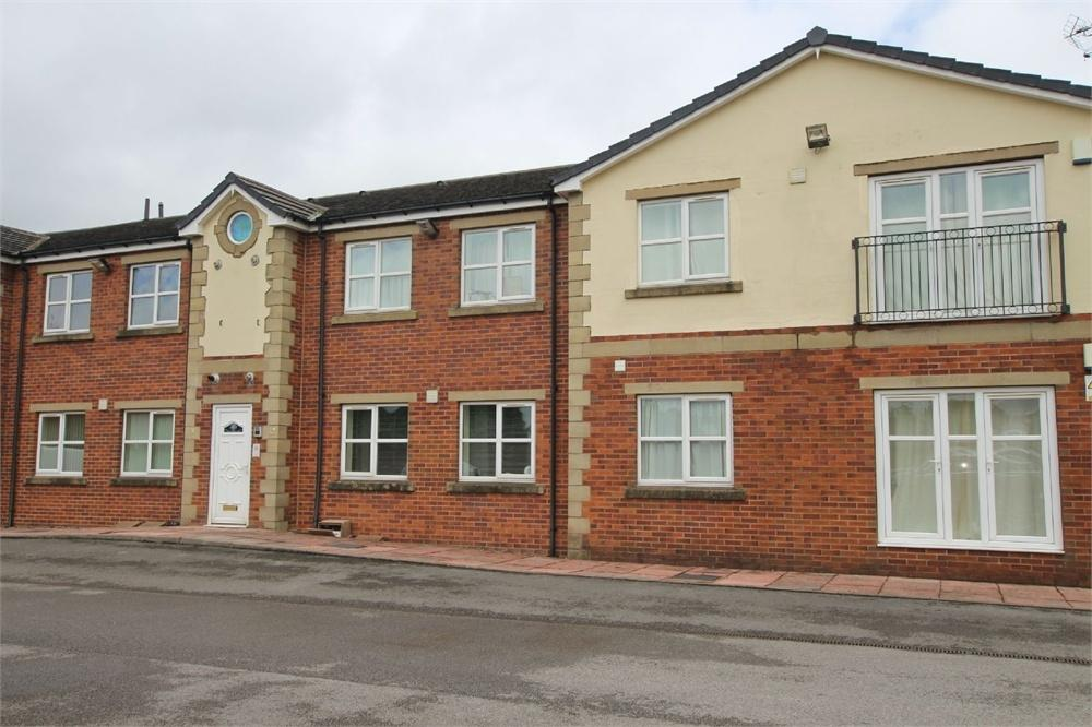 2 Bedrooms Flat for sale in Bradford Road, East Bierley, West Yorkshire
