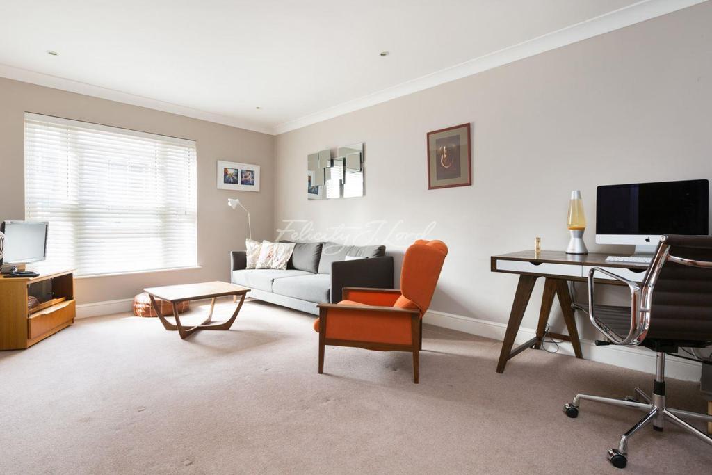 1 Bedroom Flat for sale in Leather Lane, EC1N