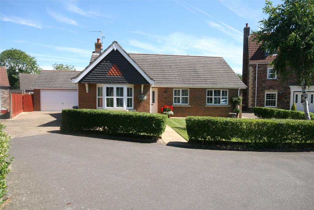 3 Bedrooms Detached Bungalow for sale in Catchpole Grove, Stickford, PE22