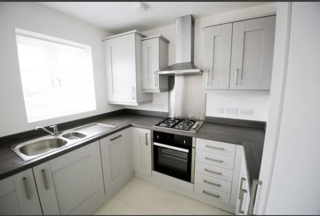 2 Bedrooms Terraced House for sale in Gwel Y Llan, Caernarfon, North Wales
