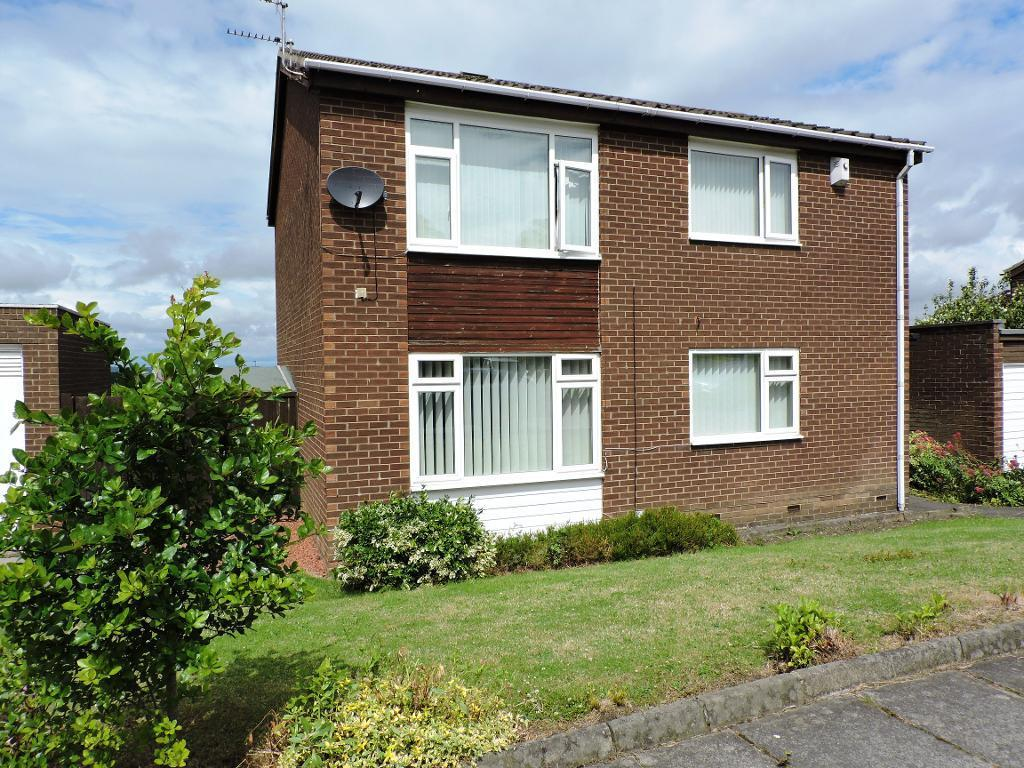 2 Bedrooms Ground Flat for sale in Bullfinch Drive, Whickham, Whickham, Tyne and Wear, NE16 5YP