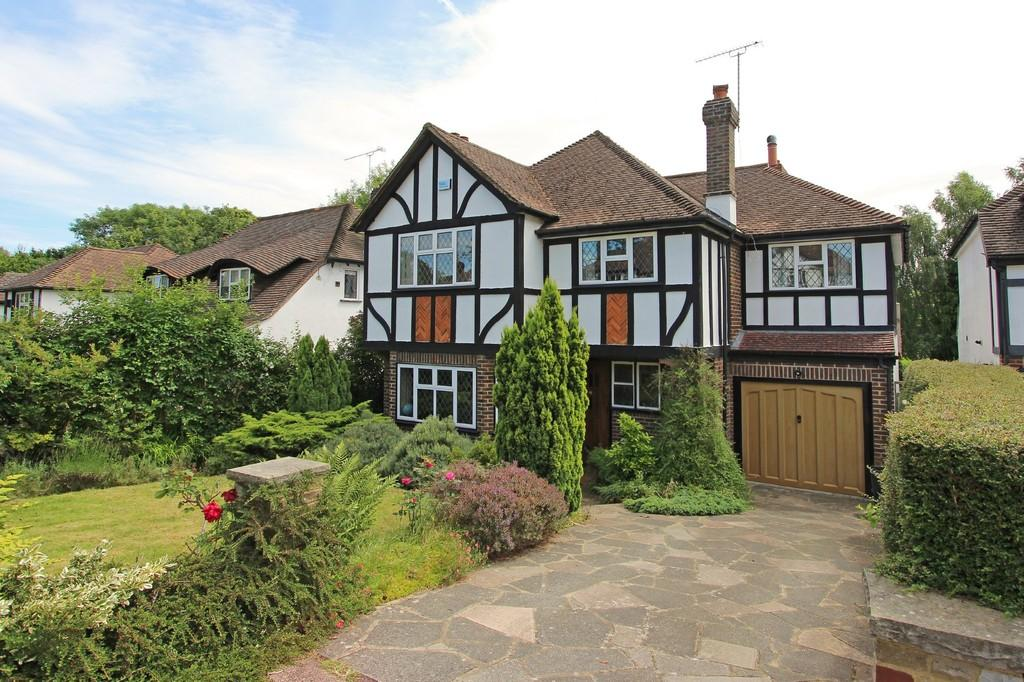 4 Bedrooms Detached House for sale in Holly Hill Drive, Banstead