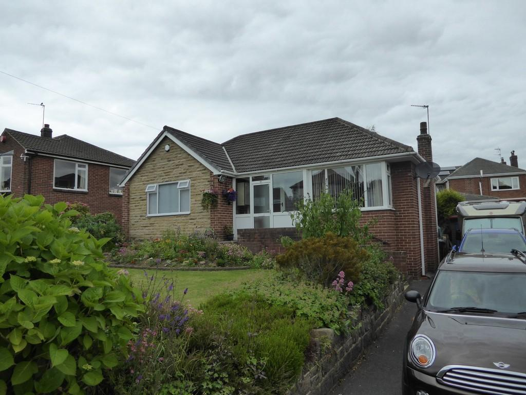 2 Bedrooms Detached Bungalow for sale in Frank Lane, Dewsbury