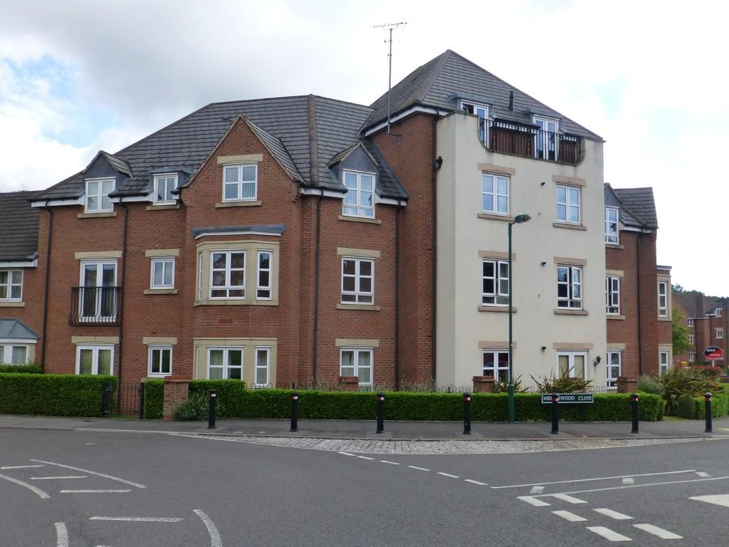 2 Bedrooms Apartment Flat for sale in Middlewood Close, Solihull