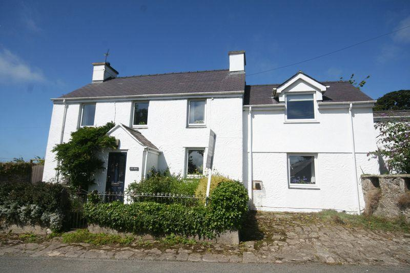 3 Bedrooms Detached House for sale in Paradwys, Anglesey