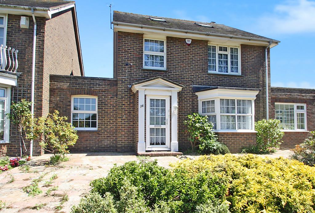 4 Bedrooms Link Detached House for sale in The Green, Southwick, BN42 4GF