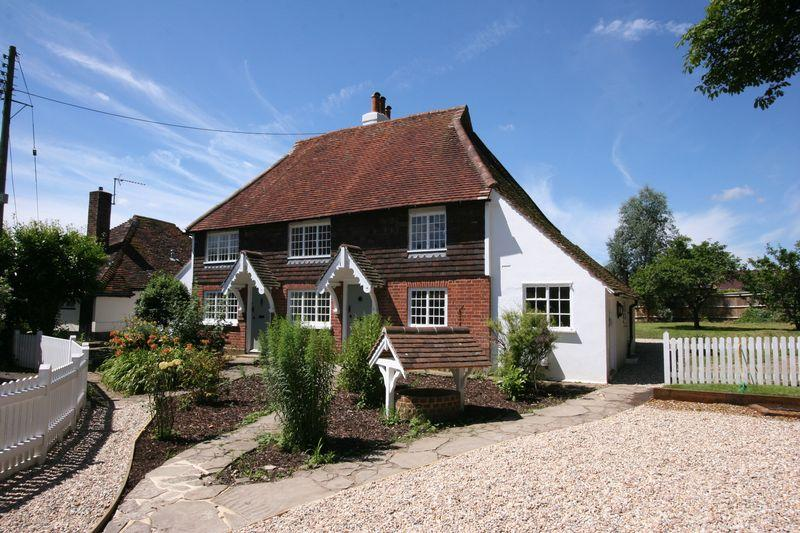 3 Bedrooms Semi Detached House for sale in Period cottage in Church Lane, Henfield