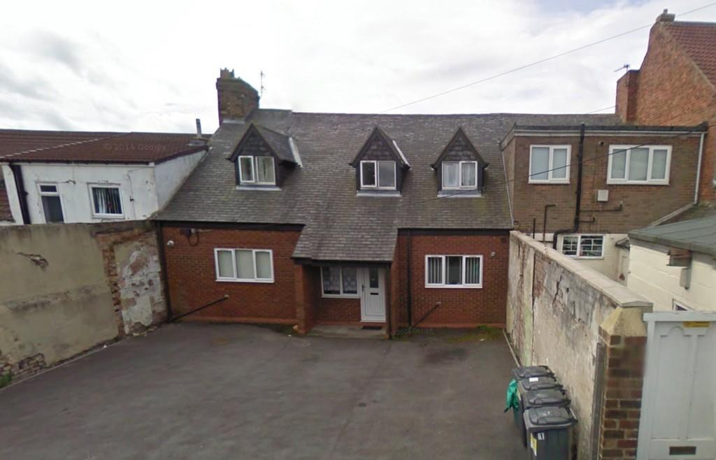 4 Bedrooms Flat for sale in Commercial Street, Brandon