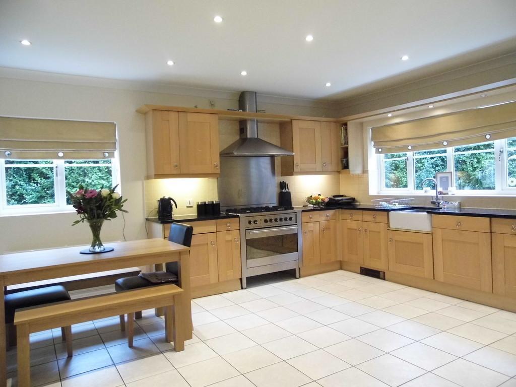 5 Bedrooms Detached House for sale in Hampton Grange, Meriden