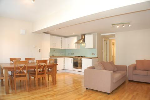 Flats to rent in sw12 latest apartments onthemarket 3 bedroom flat to rent bedford hill balham sw12 malvernweather Gallery