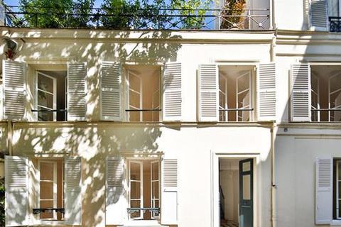 3 bedroom house  - Rue Du Bac, Paris, Ile de France
