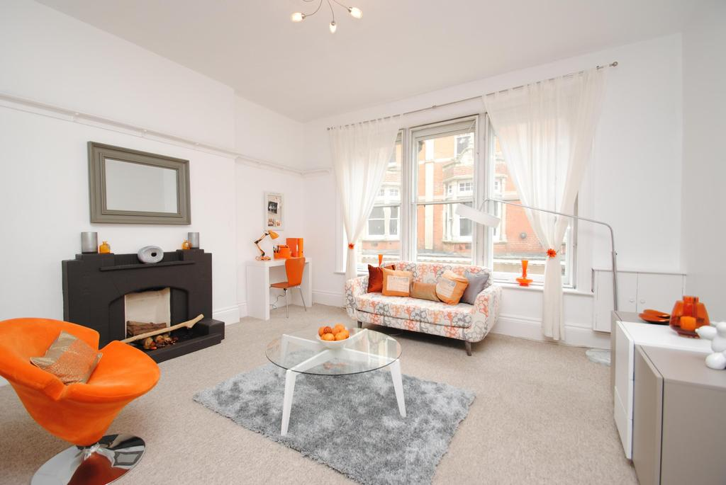 1 Bedroom Flat for sale in Sanwyn House, Belvedere Road