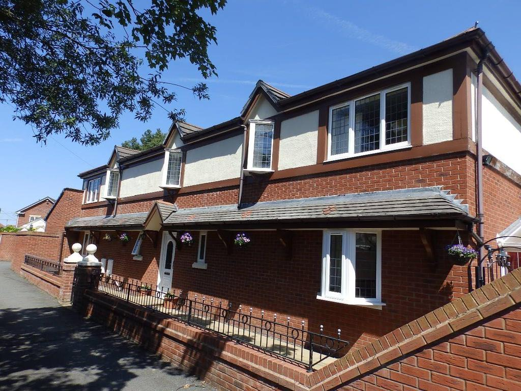 4 Bedrooms Detached House for sale in Gwellyn Avenue, Kinmel Bay,