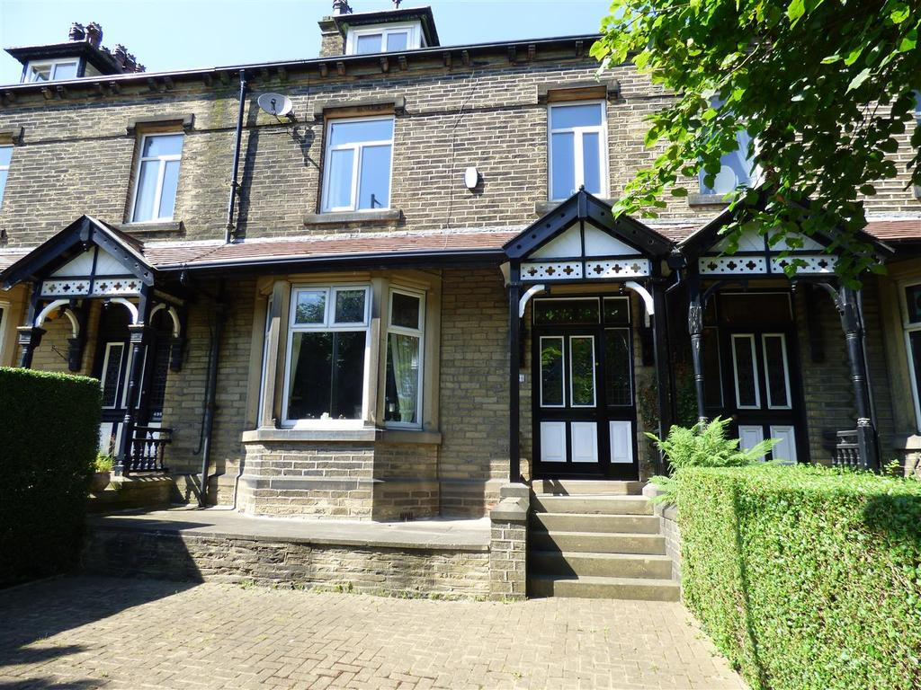 6 Bedrooms Terraced House for sale in Halifax Road, Wibsey, Bradford, BD6 2LH