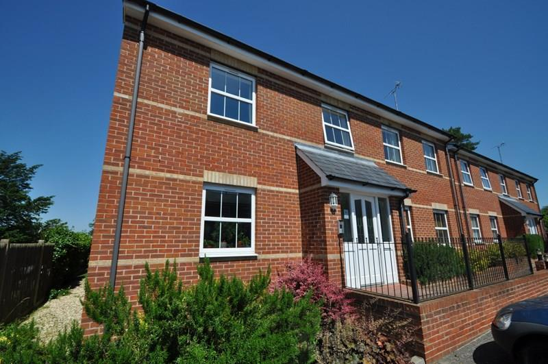 1 Bedroom Apartment Flat for sale in Mansell Court, Whitchurch