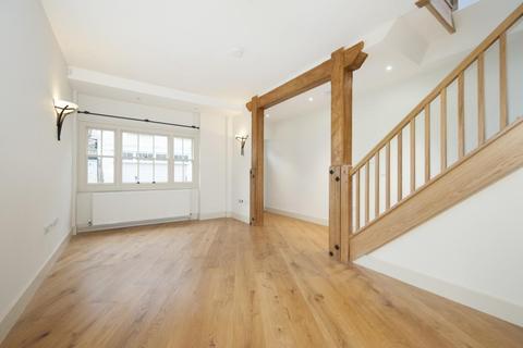 3 bedroom mews to rent - Devonshire Mews West, Marylebone, London