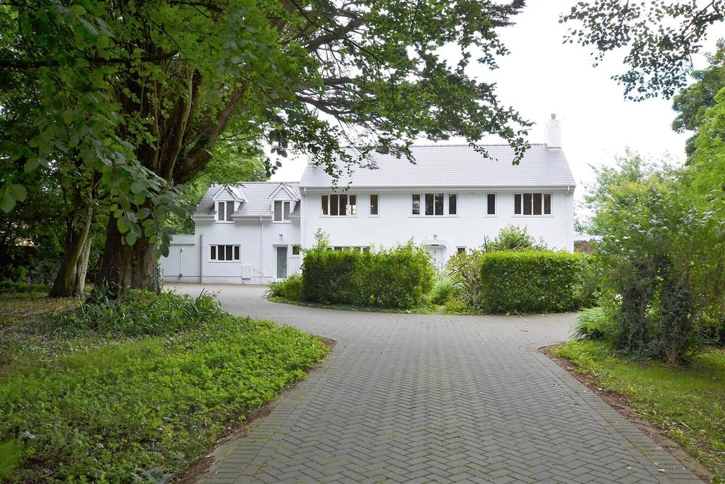 5 Bedrooms Detached House for sale in Tenby