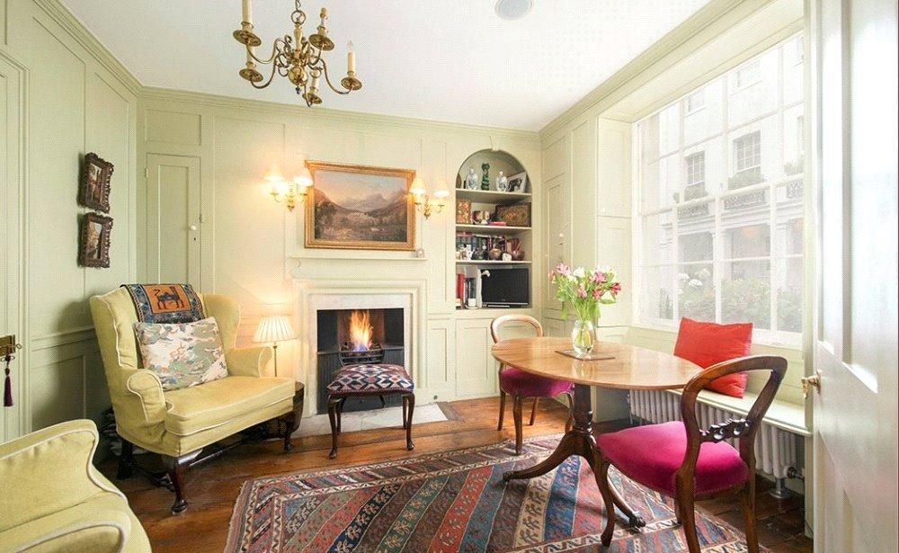 3 Bedrooms Terraced House for sale in Culross Street, London, W1K
