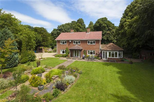 4 Bedrooms Detached House for sale in The Old Vicarage, Lees Court Road, Sheldwich