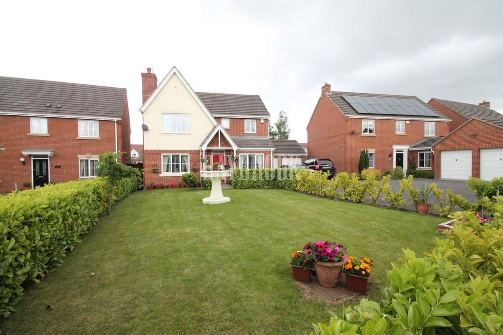 4 Bedrooms Detached House for sale in Cooper Close, Brampton Bierlow
