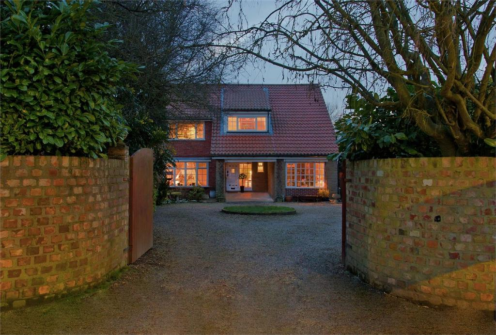 5 Bedrooms Detached House for sale in Mill Street, Hutton, Driffield, East Riding of Yorkshire