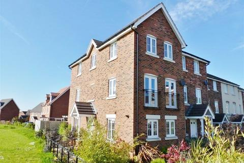 3 bedroom townhouse to rent - St Andrews Mews, Wychwood Village