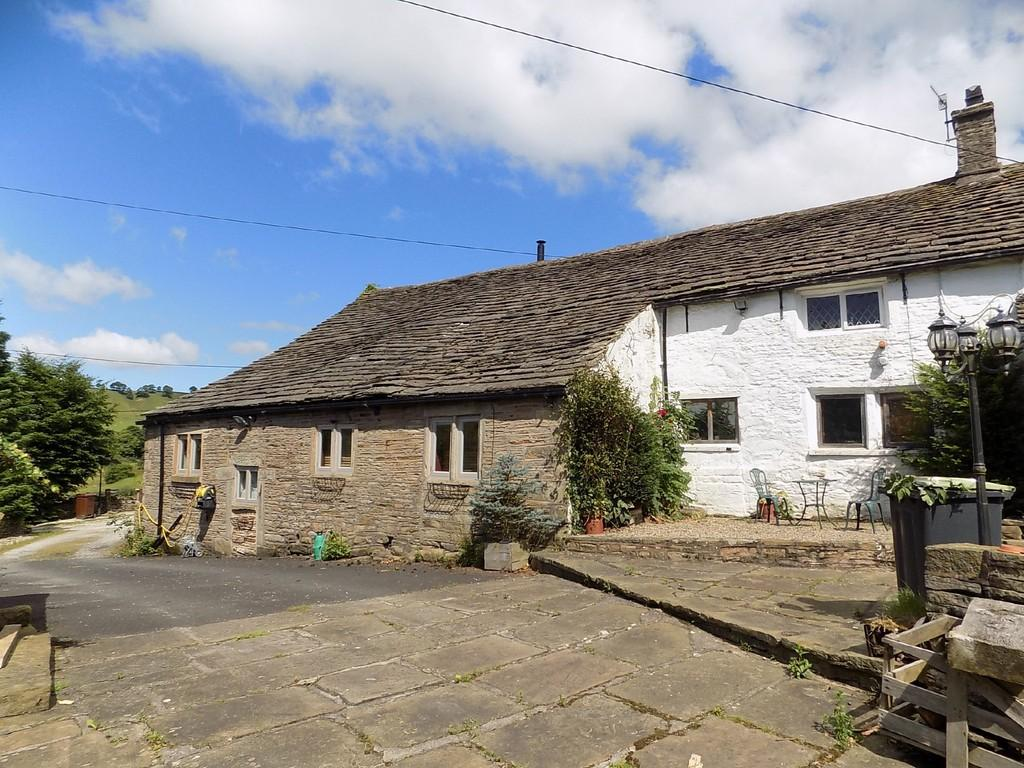 5 Bedrooms Farm House Character Property for sale in Glossop Road, Little Hayfield