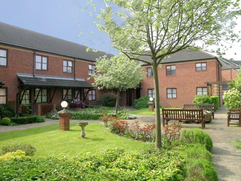 1 Bedroom Retirement Property for sale in Roseacre Gardens, Welwyn Garden City, Hertfordshire