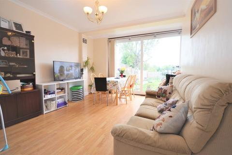 4 bedroom semi-detached house to rent - Cleveley Crescent, Ealing