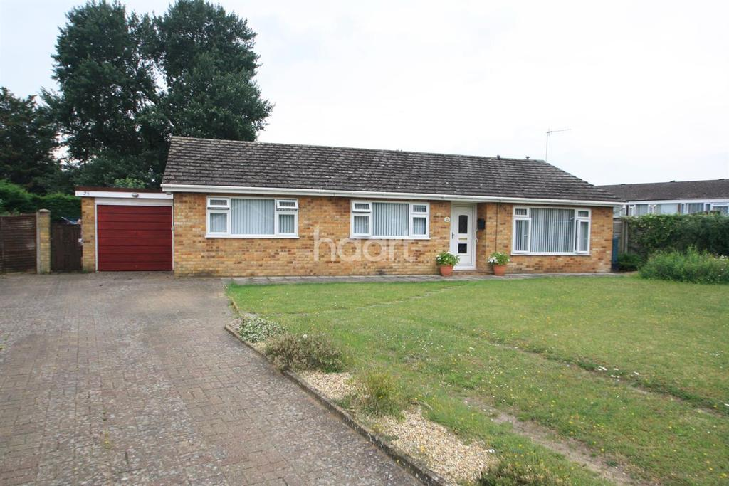 3 Bedrooms Bungalow for sale in Monksgate, Thetford