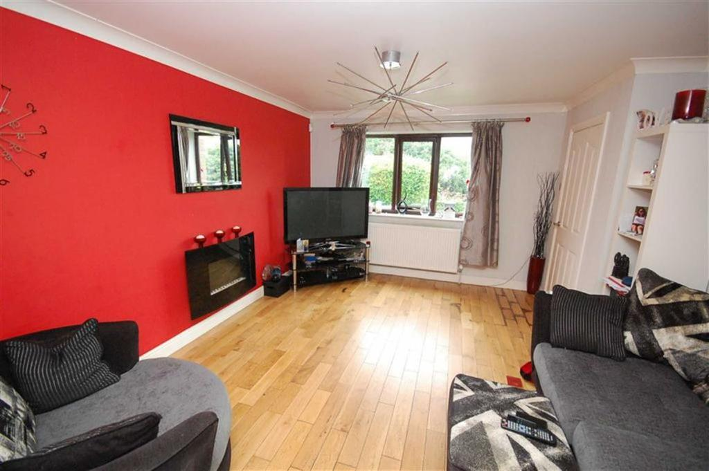 3 Bedrooms Semi Detached House for sale in Greenside Crescent, Waterloo, Huddersfield, HD5