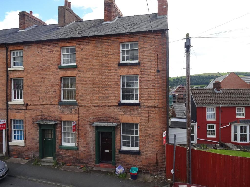 3 Bedrooms End Of Terrace House for sale in Llanfair Road, Newtown, Powys