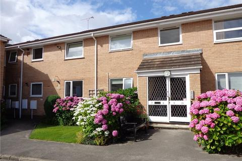 2 bedroom apartment to rent - Chartwell Court, Shadwell Lane, Leeds