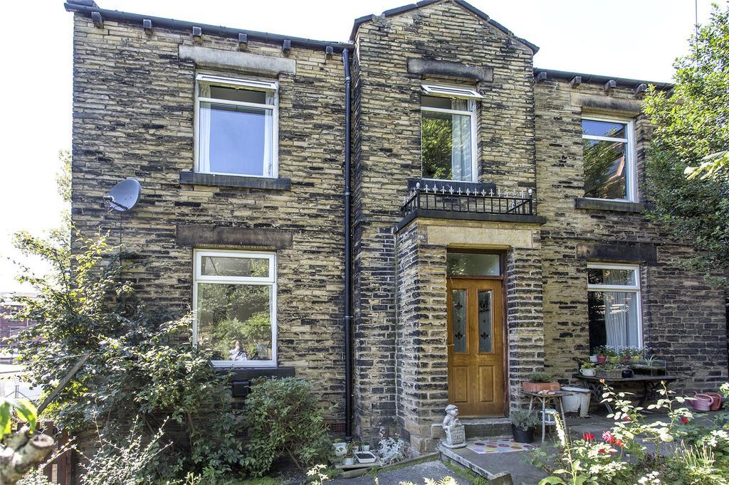 4 Bedrooms Detached House for sale in Crackenedge Lane, Dewsbury, West Yorkshire, WF13