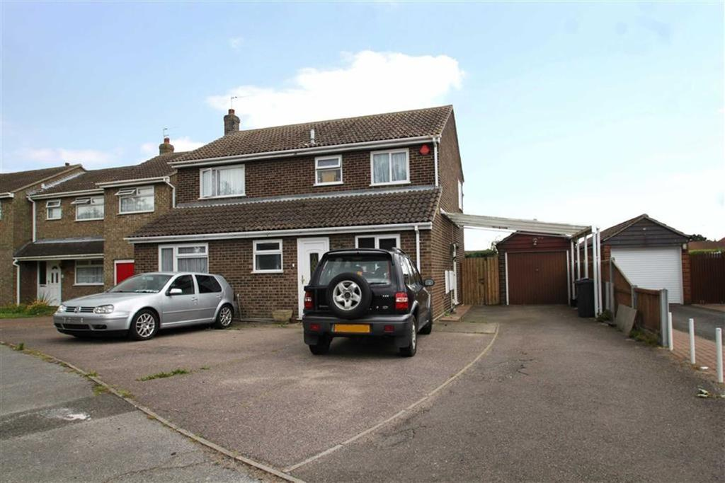 5 Bedrooms Detached House for sale in William Drive, Clacton-on-Sea