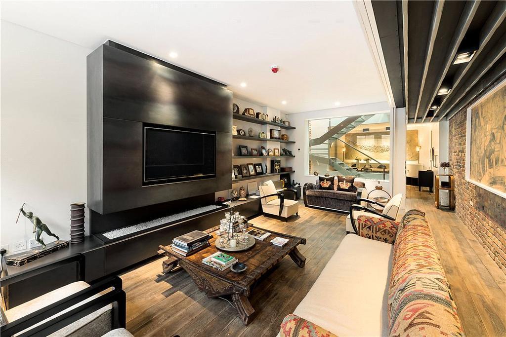4 Bedrooms Mews House for sale in Ennismore Mews, Knightsbridge, London, SW7