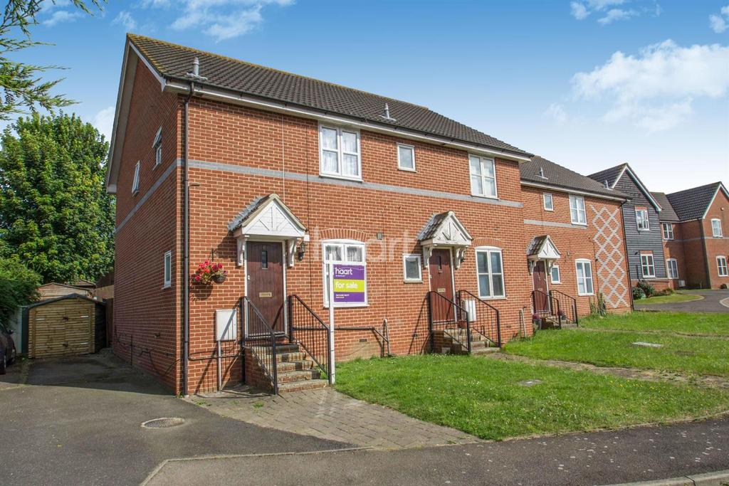 3 Bedrooms Semi Detached House for sale in Church Corner South Benfleet