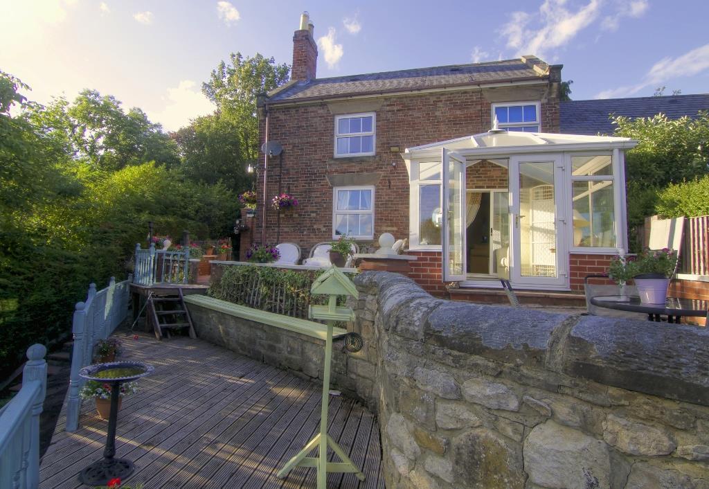 3 Bedrooms Semi Detached House for sale in Cottingwood Lane, Morpeth