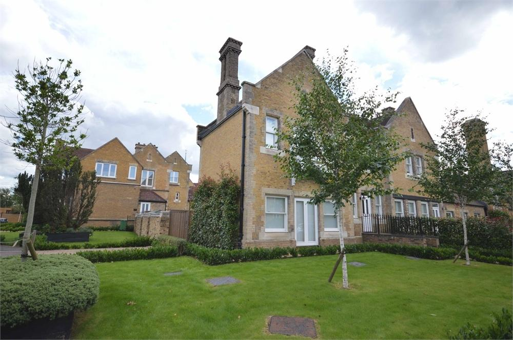 3 Bedrooms End Of Terrace House for sale in Chapel Drive, The Residence, Dartford