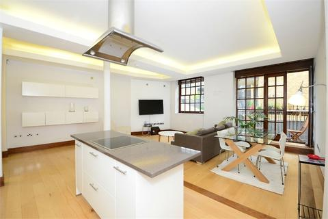 2 bedroom flat to rent - St Saviours House, 21 Bermondsey Wall West, Shad Thames, SE16