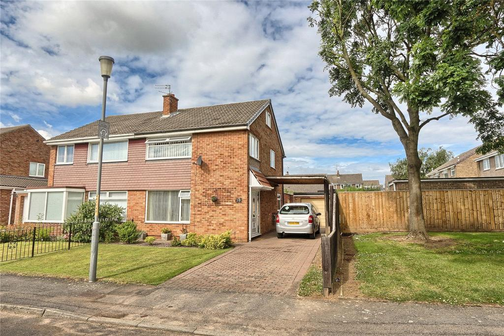 3 Bedrooms Semi Detached House for sale in Norton Drive, Stockton-on-Tees