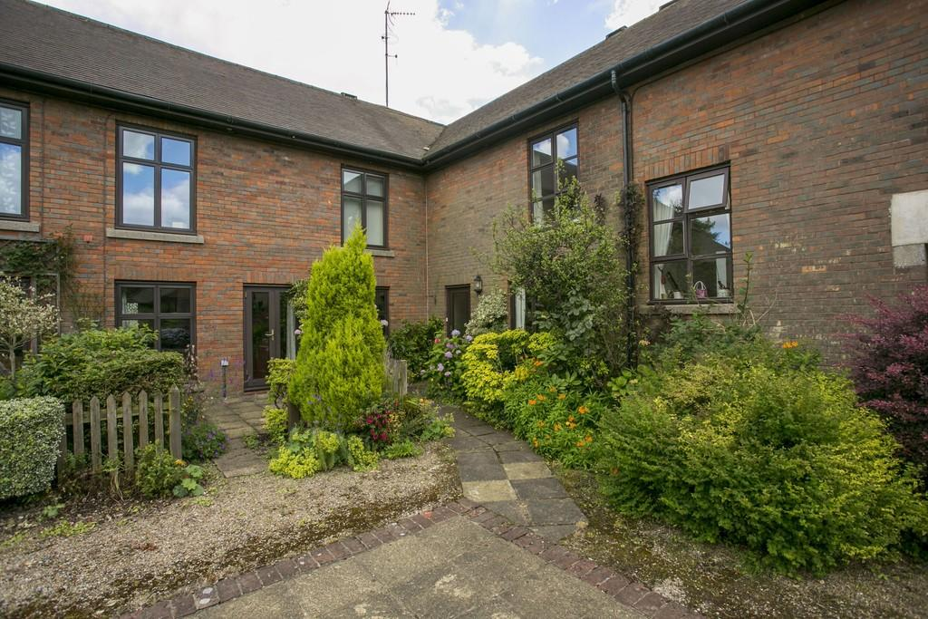2 Bedrooms House for sale in Home Farm Court, Frant