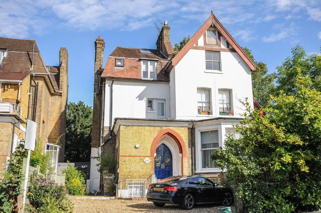 3 Bedrooms Apartment Flat for sale in Hornsey Lane, N6 5LW