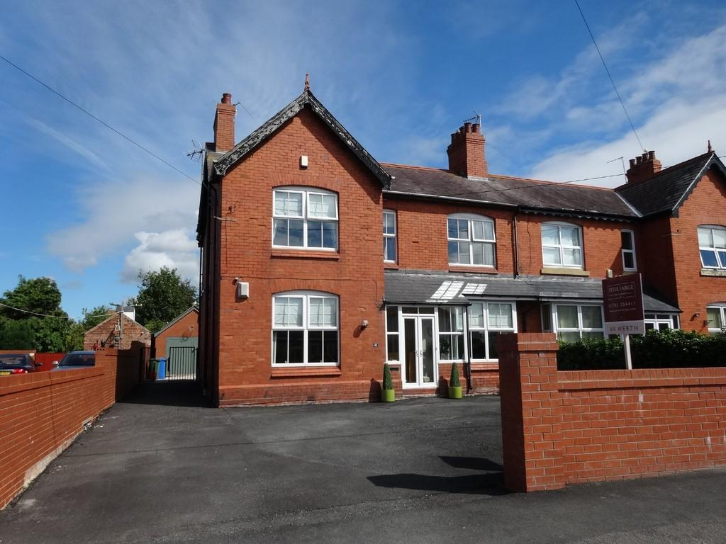 4 Bedrooms Semi Detached House for sale in Pendyffryn Road, Rhyl