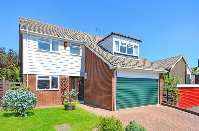 4 Bedrooms Detached House for sale in The Ridge, Lodge Moor, Sheffield, S10 4LL