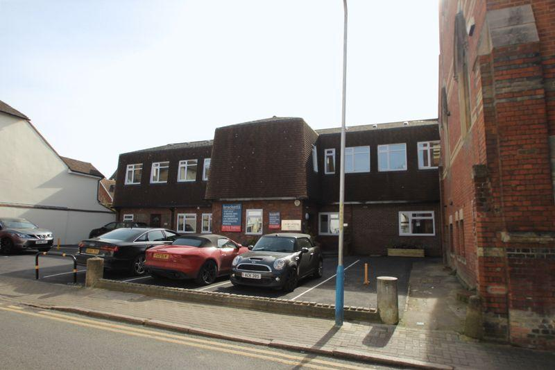 2 Bedrooms Apartment Flat for sale in Apartment 4, Croft House, East Street, Tonbridge