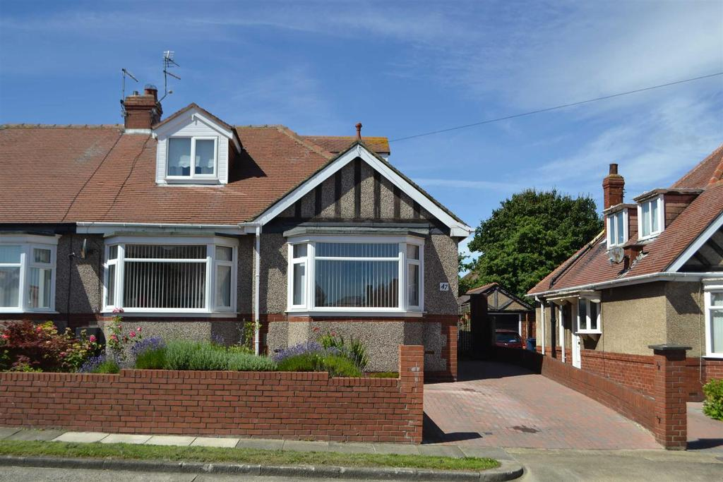 4 Bedrooms Semi Detached Bungalow for sale in Mansfield Crescent, Roker, Sunderland