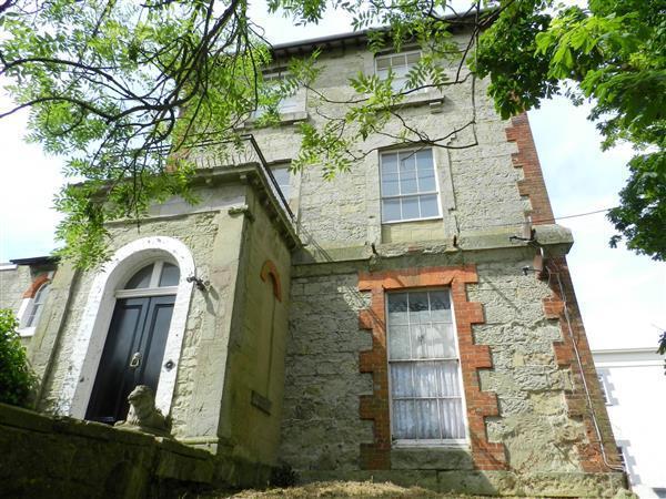 3 Bedrooms Maisonette Flat for sale in High Street, Ventnor