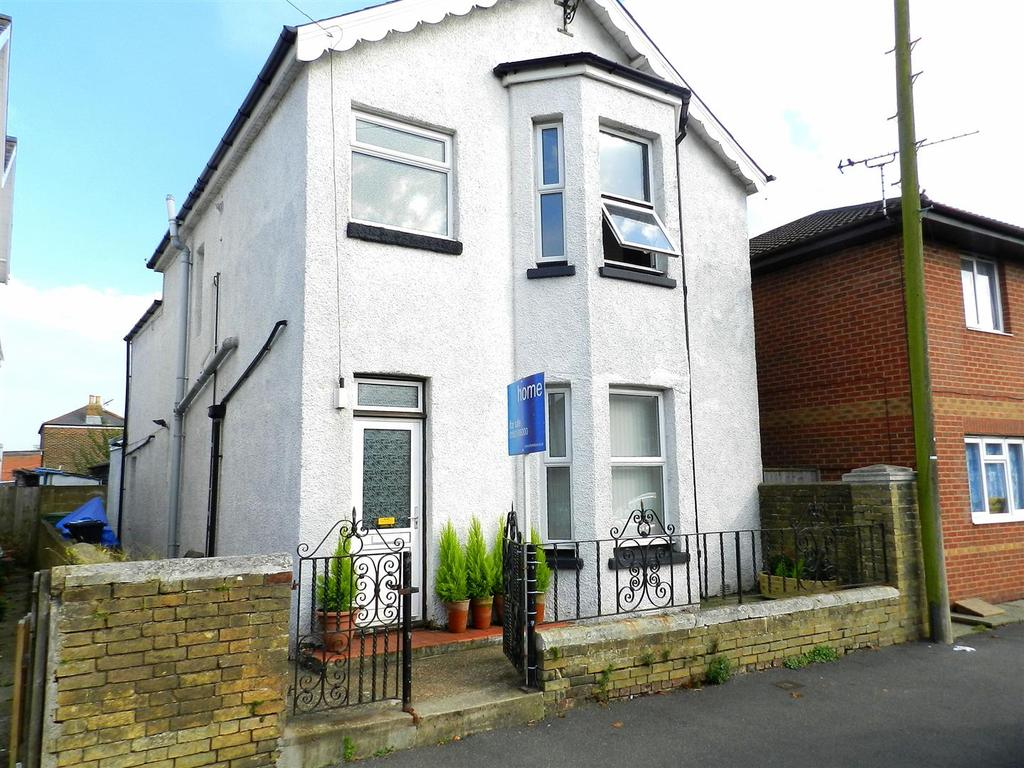 3 Bedrooms Detached House for sale in West Street, Ryde